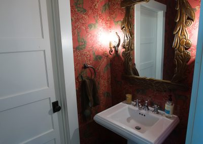 Urbans Point Cottage Bathroom